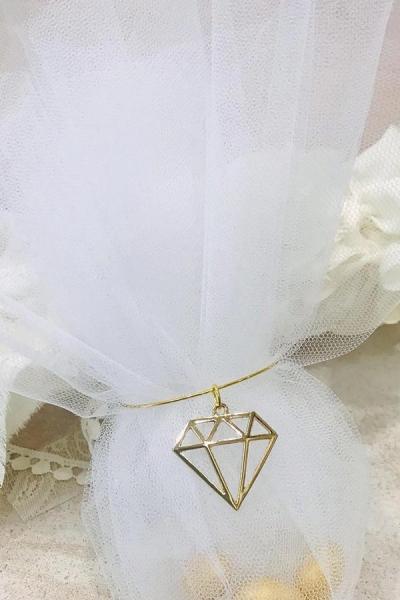 Μπομπονιέρα γάμου κλασσική με διαμάντι μεταλλικό διακοσμητικό