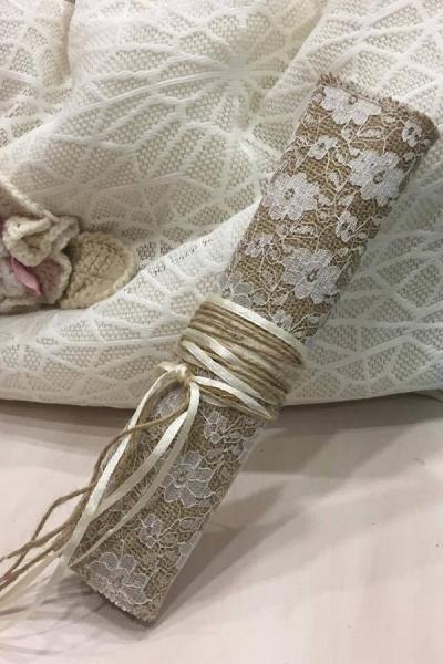 Μπομπονιέρα γάμου φάκελος λινάτσα δαντέλα